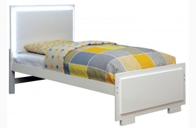 Lizbeth White Finish Platform Bed