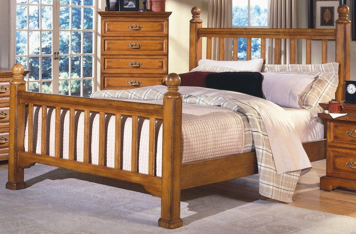Honey Creek Caramel King Poster Bed
