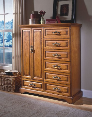 Honey Creek Caramel 7 Drawer Magna Chest