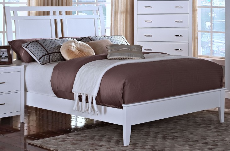 Selena White Cal. King Sleigh Bed