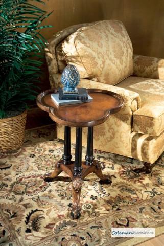 Connoisseur Clover Leaf Pedestal Table