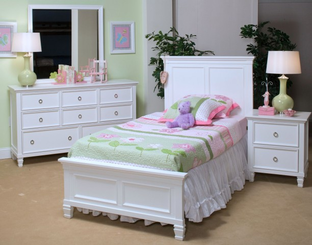 Tamarack White Youth Platform Bedroom Set