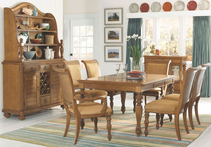 Grand Isle Amber Rectangular Dining Room Set