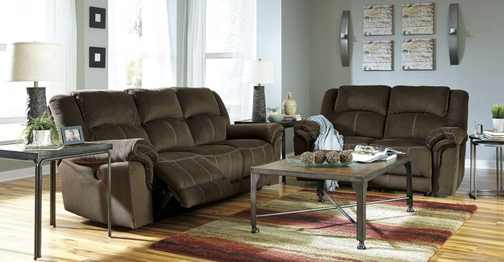 Quinnlyn Coffee Reclining Living Room Set