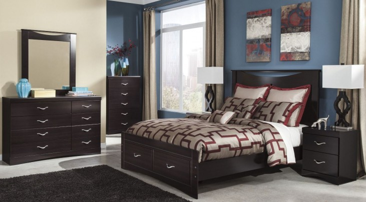 Zanbury Panel Storage Bedroom Set