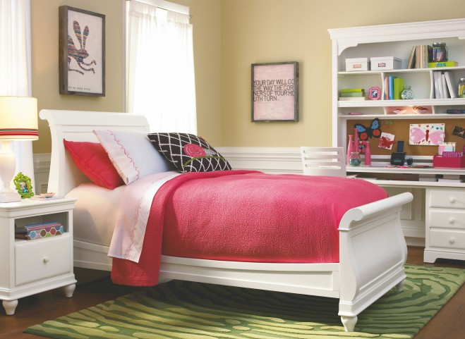 Classics 4.0 Smartstuff Saddle Summer White Youth Sleigh Bedroom Set