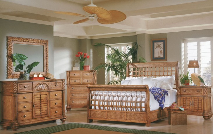 Palm Court Island Pine Sleigh Bedroom Set