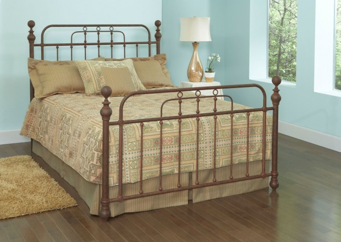 Courtney Queen Poster Bed