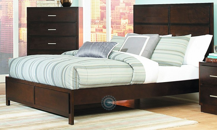 Vernada Cal. King Panel Bed