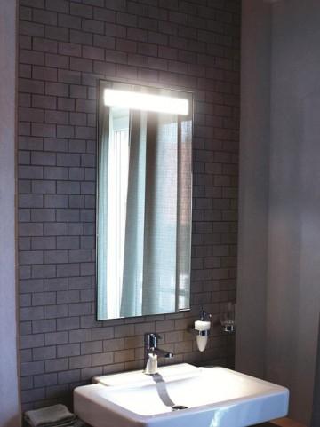 """Diamando 15"""" Hinge Right 1 Light Mirror Cabinet"""