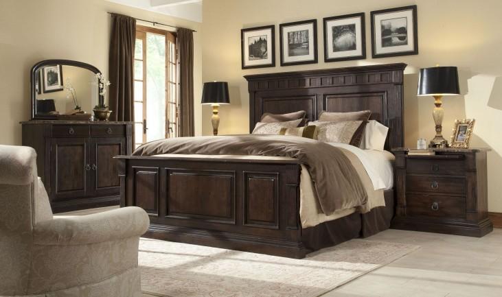 European Villa Umbria Panel Bedroom Set