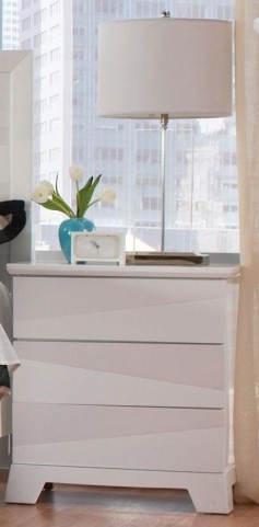Karolina White Nightstand