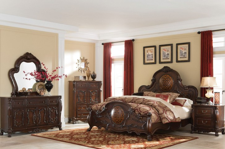Abigail Lion Claw Panel Bedroom Set