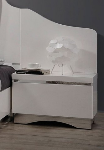 Alessandro Glossy White Nightstand With Back Panel