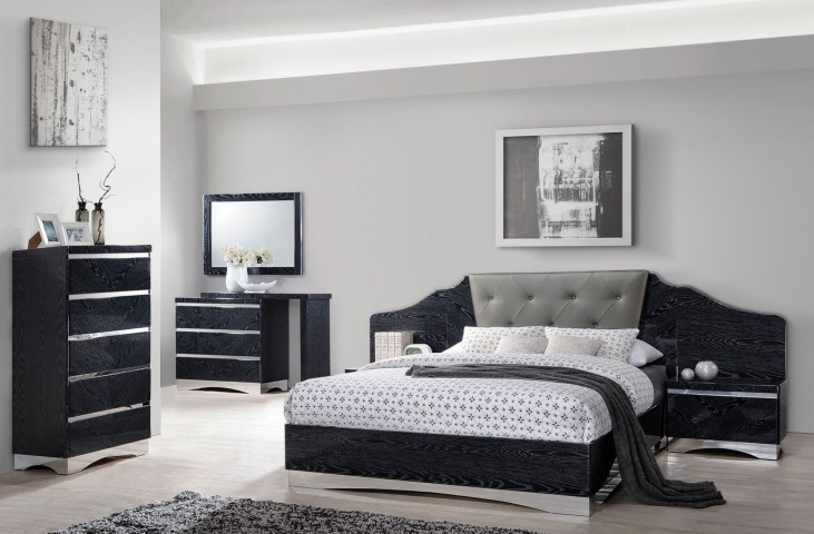 Alessandro Glossy Black Platform Bedroom Set