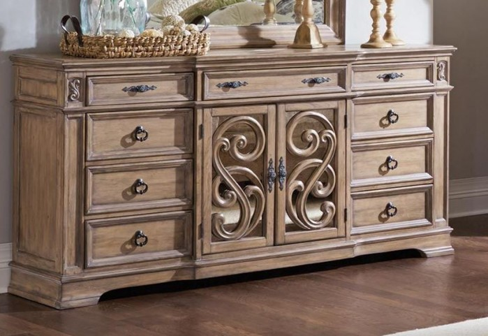 Ilana Antique Linen Dresser