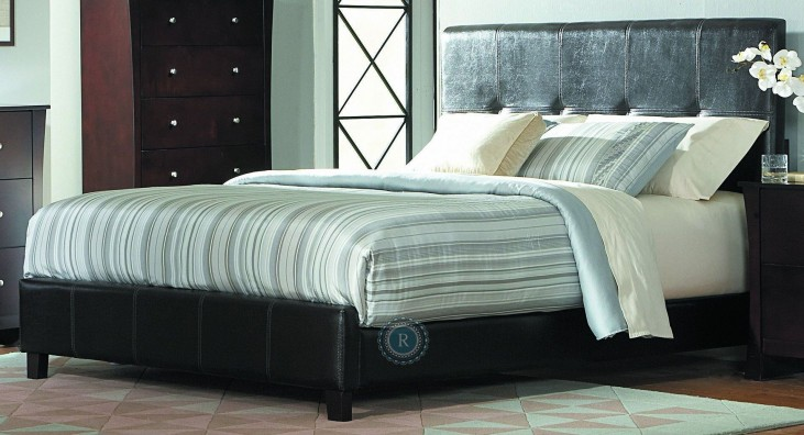 Avelar Queen Panel Bed