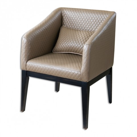 Jaelynn Classic Accent Chair