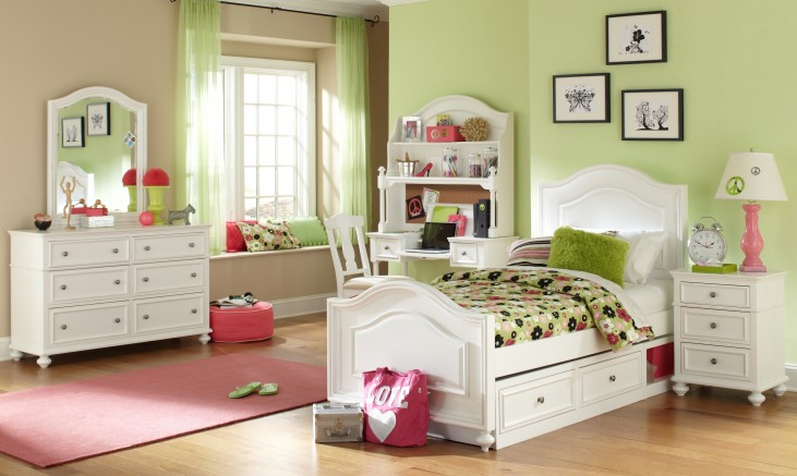 Madison Youth Panel Bedroom Set