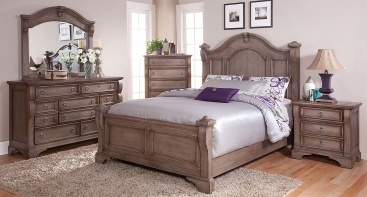 Heirloom Pewter Poster Bedroom Set