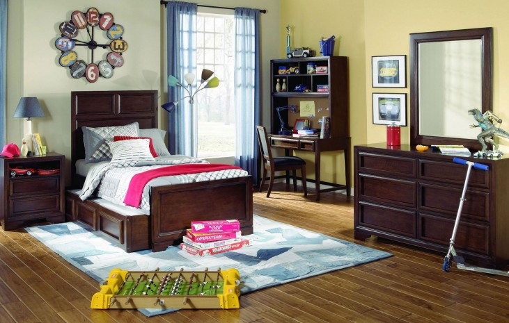 Benchmark Storage Panel Bedroom Set