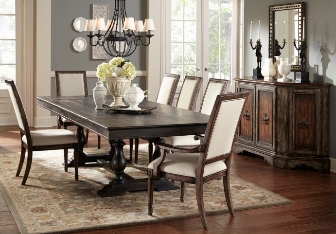 Accentrics Montserrat Extendable Dining Room Set