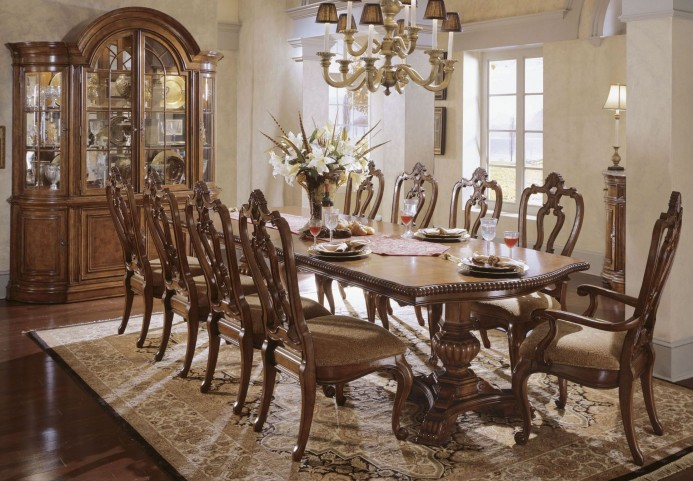 Villa Cortina Oval Double Pedestal Extendable Dining Room Set