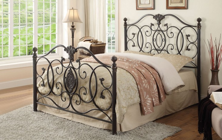 Gianna King Metal Bed
