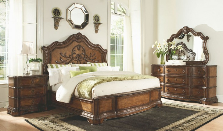 Pemberleigh Panel Bedroom Set
