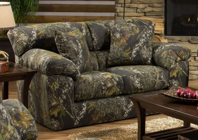 Big Game Mossy Oak Loveseat