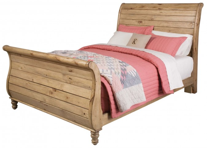 Homecoming Vintage Pine Queen Sleigh Bed