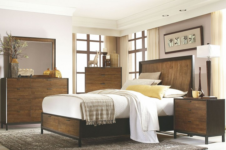 Kateri Storage Footboard Curved Panel Bedroom Set
