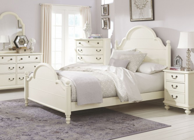 Inspirations Seashell White Westport Low Poster Bedroom Set
