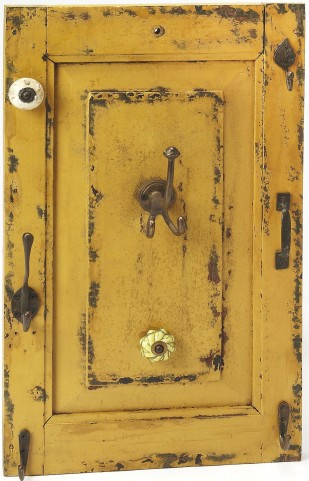 Hors D'oeuvres Neely Rustic Yellow Wall Mount Hook Rack
