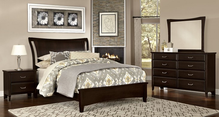 Commentary Merlot Benchback Panel Bedroom Set