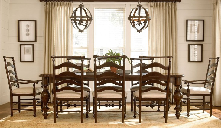 Riverhouse River Bank Rectangular Extendable Dining Room Set