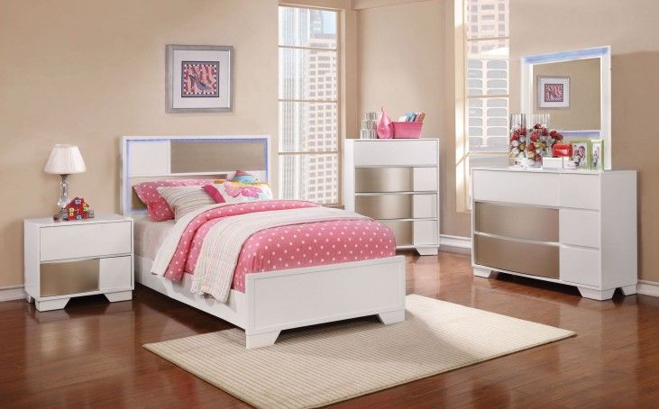 Havering Blanco and Sterling Youth Panel Bedroom Set