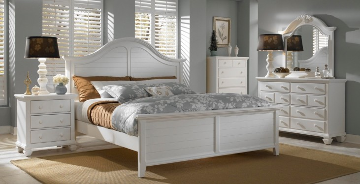 Mirren Harbor Arched Panel Bedroom Set