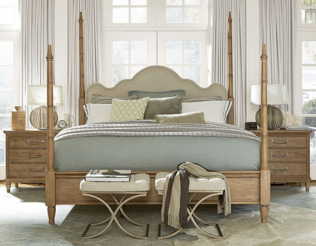Moderne Muse Bisque Poster Bedroom Set