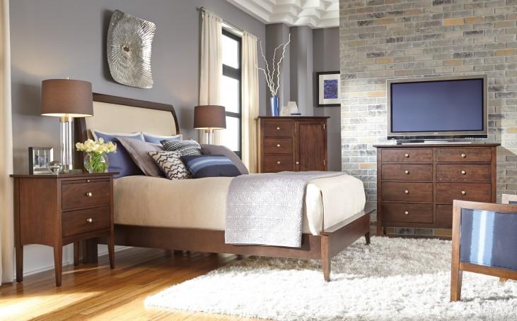 Gatherings Honey Meridian Bedroom Set