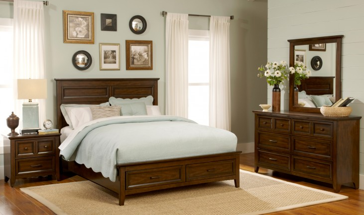 Laurel Creek Panel Storage Bedroom Set