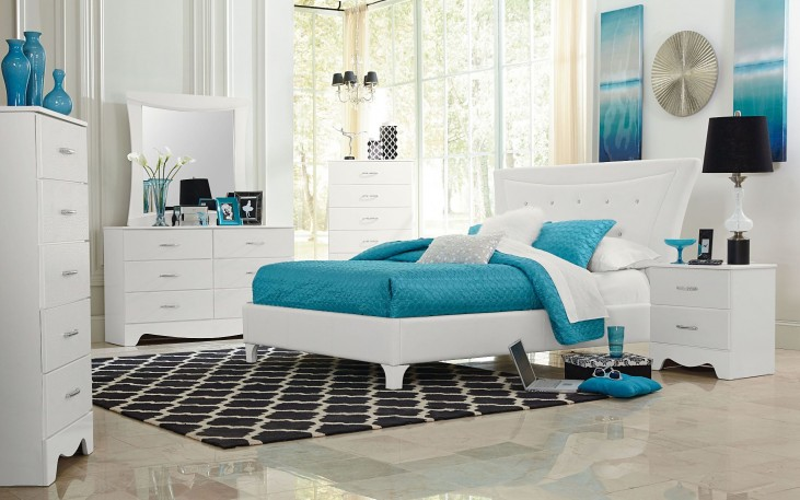 Vogue Posh Glam Styling Upholstered Bedroom Set