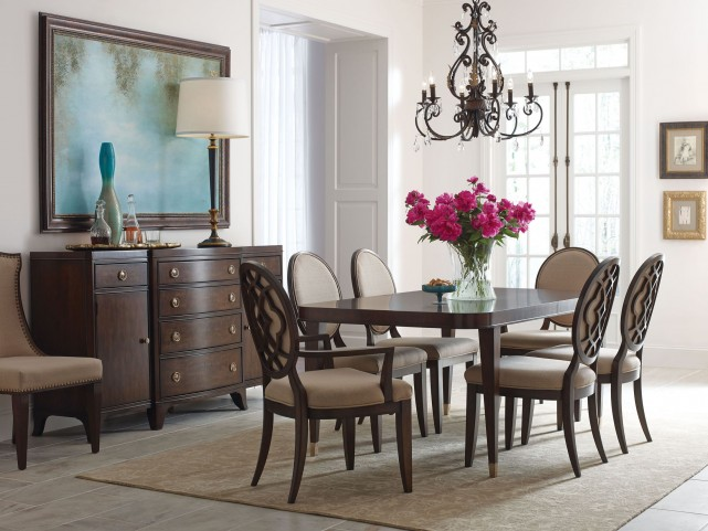 Grantham Hall Deep Extendable Dining Room Set
