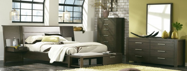 Hudson Upholstered Platform Bedroom Set with Panel Nightstands