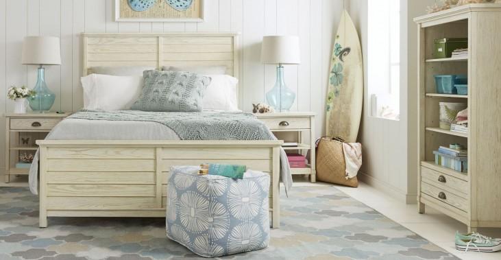 Driftwood Park Vanilla Oak Panel Bedroom Set