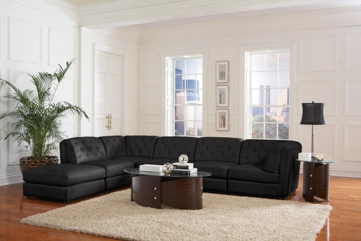 Quinn Black Sectional