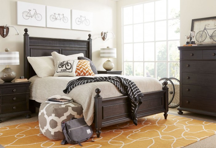 Smiling Hill Licorice Panel Bedroom Set