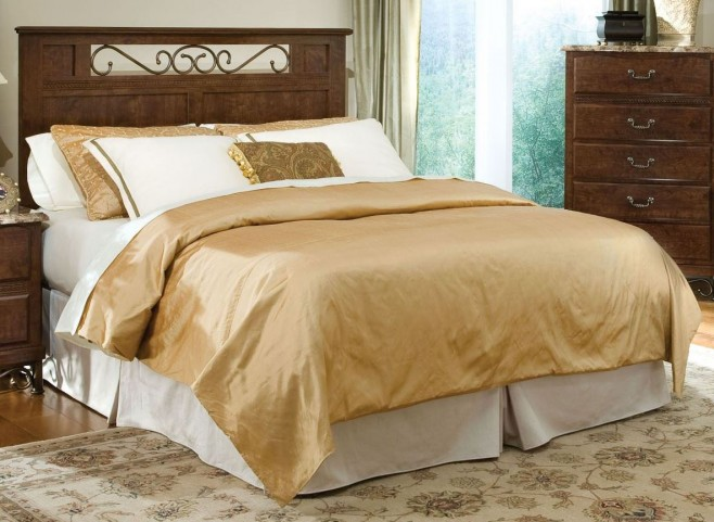 Santa Cruz Warm Brown Cherry Queen Panel Bed