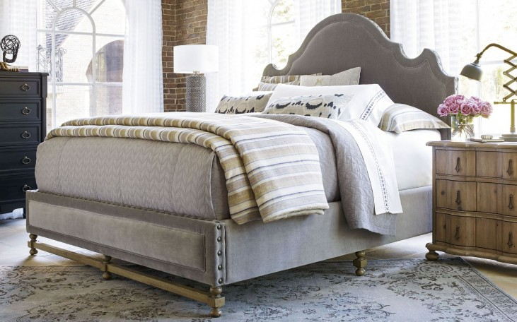 Authenticity Lyon Platform Bedroom Set