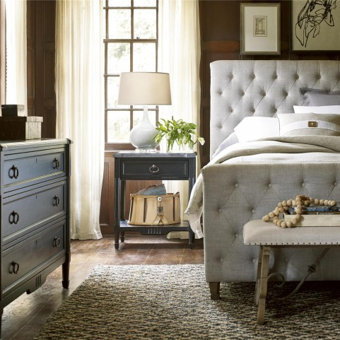 Authenticity Franklin Street Fabric Platform Bedroom Set